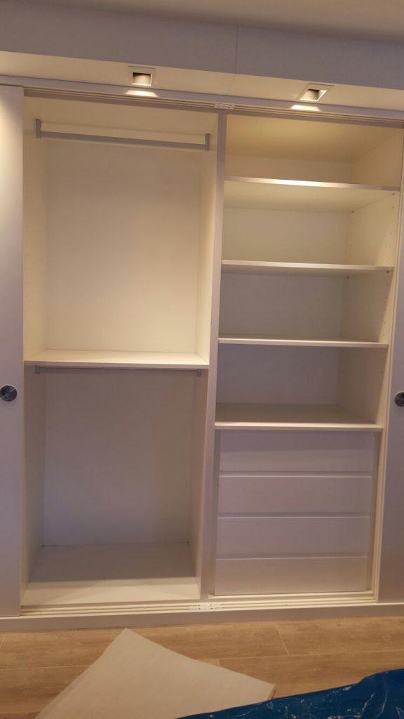 Construccions Núñez Andorra disseny armaris encastats. Fem feines de fusteria i ebenisteria, dissenyem espais Interiors, mobles a mida, mobles a mesura. Armaris ajustats i encastats, portes corredisses i batents.