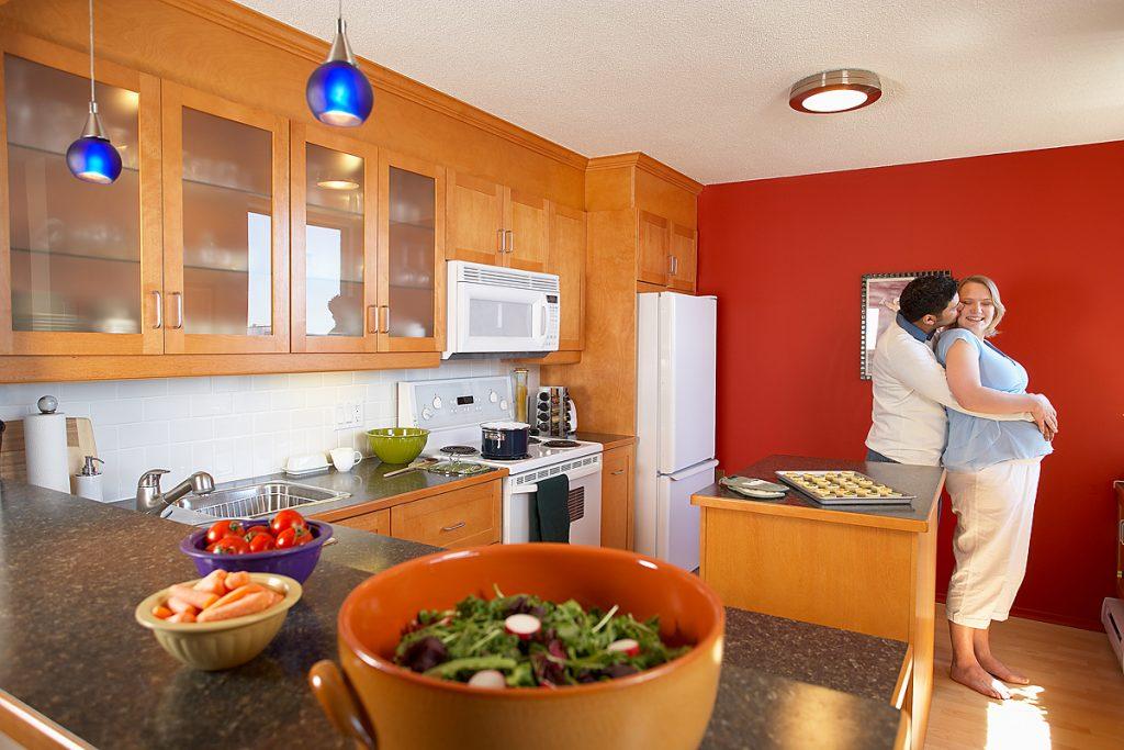 Disposar d'una cuina on trobar-se a gust és imprescindible per gaudir de la llar. A Construccions Nuñez Andorra creem espais agradables, adaptats a les exigències de cada dia. A Construccions Núñez som especialistes en la reforma de cuines i banys, som una empresa Andorrana dedicada al disseny i muntatge de cuines i banys, així com a reformes integrals de pisos, reforma d'apartaments, reformes d'hotels, reformes de cuines i reformes de banys.