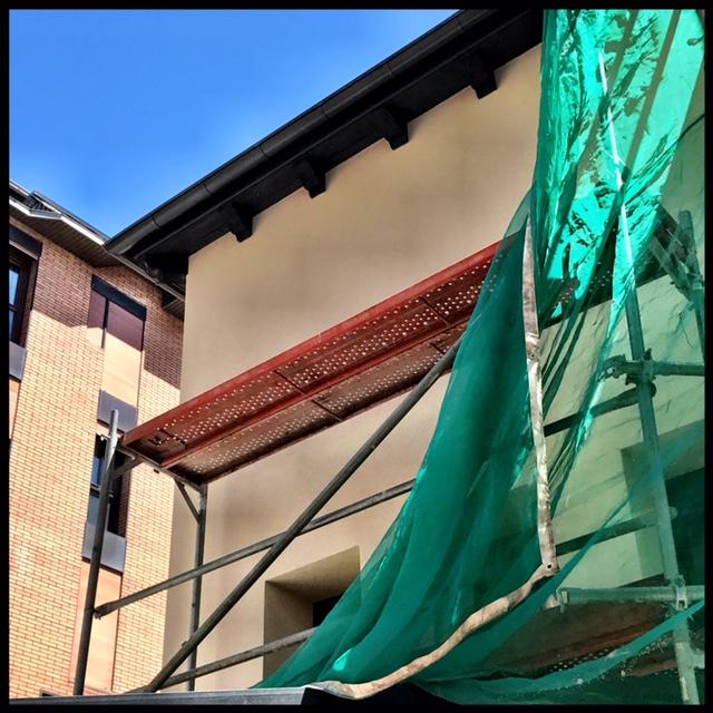 Aïllament de façana amb sistema SATE by Construccions Nuñez Andorra reabilitem i aïllem façanes amb sistema SATE (Sistema d'Aïllament Tèrmic per el Exterior) o Ventilades Rockpanel® tant en obra nova com en rehabilitació. SATE : Sistema de façana amb aïllament per el exterior, amb acabats estètics similars als tradicionals, amb la millor relació qualitat-preu. Carrer Engolasters, 18 – Baixos AD200 ENCAMP Principat d'Andorra Tel. +376832204 – Fax. +376831214 – Mòbil +376329301 nunez@andorra.http://construccionsnunezandorra.com/wp-admin/post-new.php